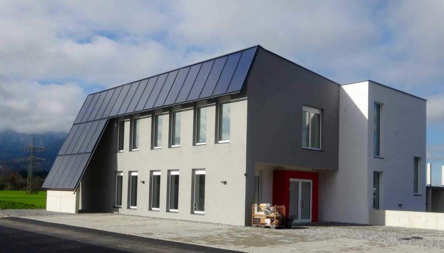 Maison solaire - Entreprise commerciale au Tirol